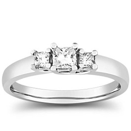 1/2ct Three Stone Princess Cut Diamond Ring 14K White Gold (H/I, I1)