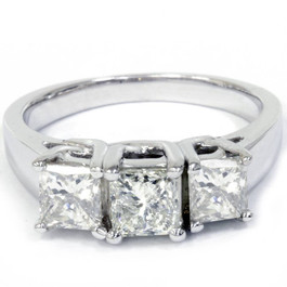 1 1/2ct 3-Stone Princess Cut Diamond Engagement Ring 14K White Gold (H/I, I1)