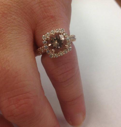 2 1/2CT Morganite & Diamond Cushion Halo Engagement Ring 14K Rose Gold (H/I, I1-I2)