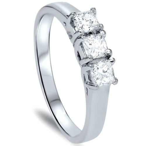 5/8ct Three Stone Diamond Ring 14K White Gold (G/H, I1)