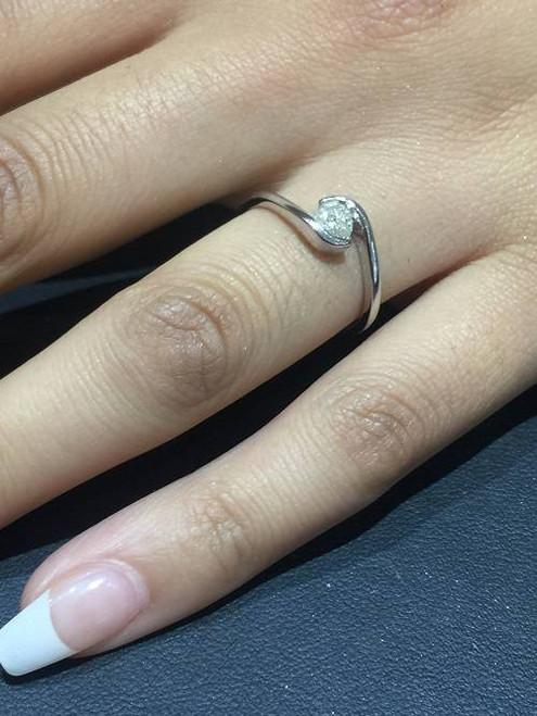 1/3ct Round Diamond Solitaire Modern Engagement Ring 14K White Gold (H/I, I1)
