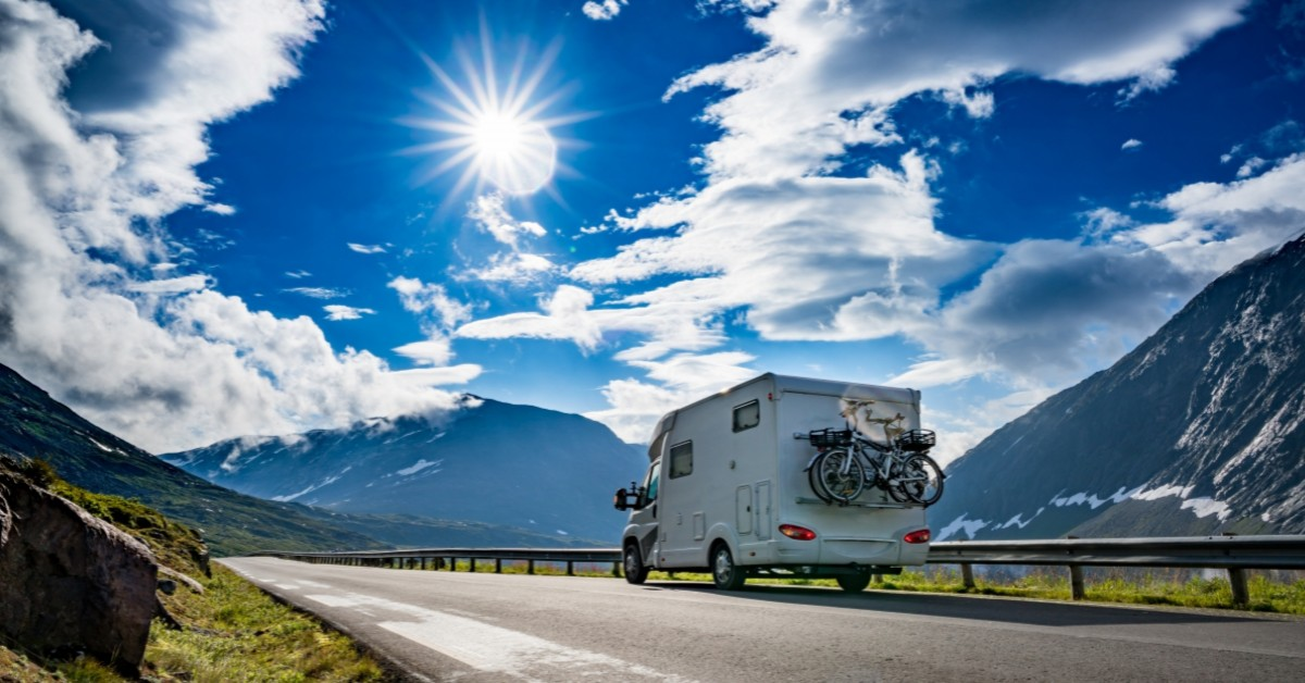 HOW TO COMBINE CAMPING WITH OFF-ROADING