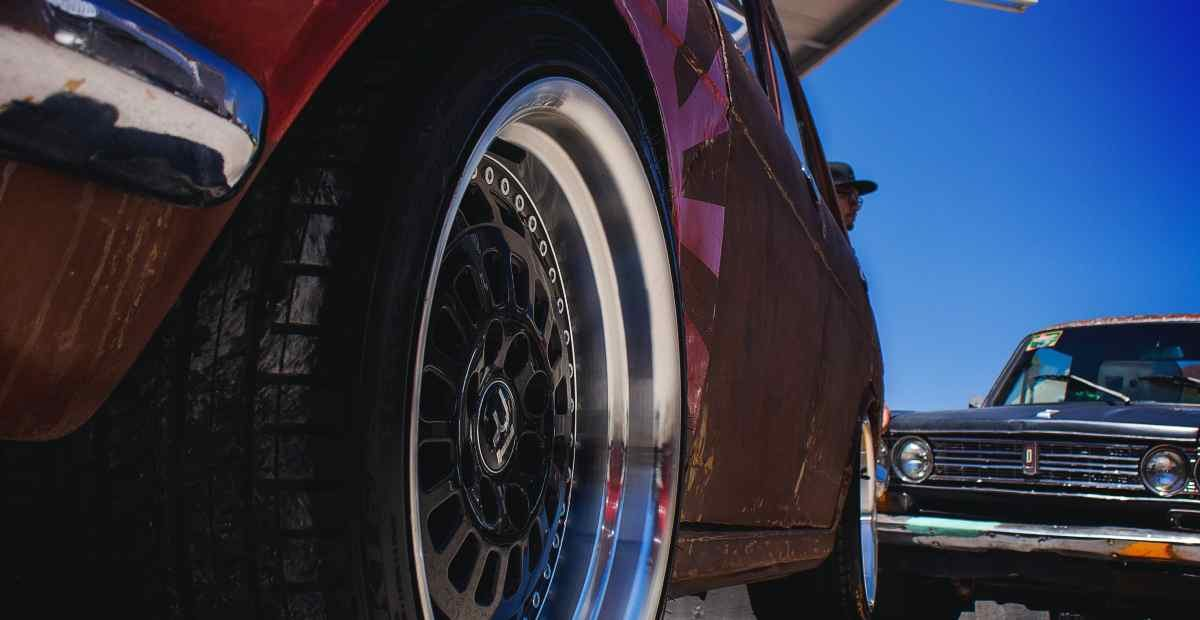 THE BENEFITS OF UPGRADING YOUR RIMS & TIRES