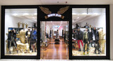 Robin's Jean Store Gets Hip to Brick