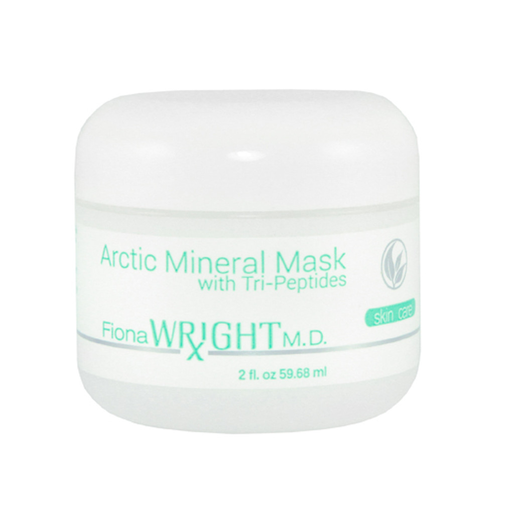 Pure Arctic mineral mud blended with botanicals, marine minerals and peptides will promote firmness while clearing breakouts.