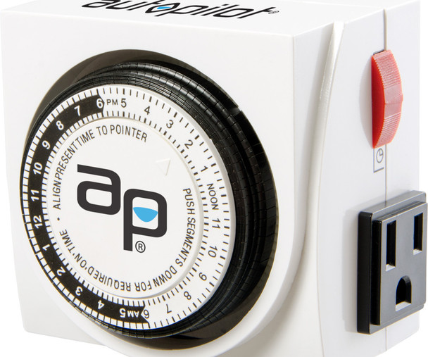 AutoPilot Analog Grounded Timer Dual Outlet