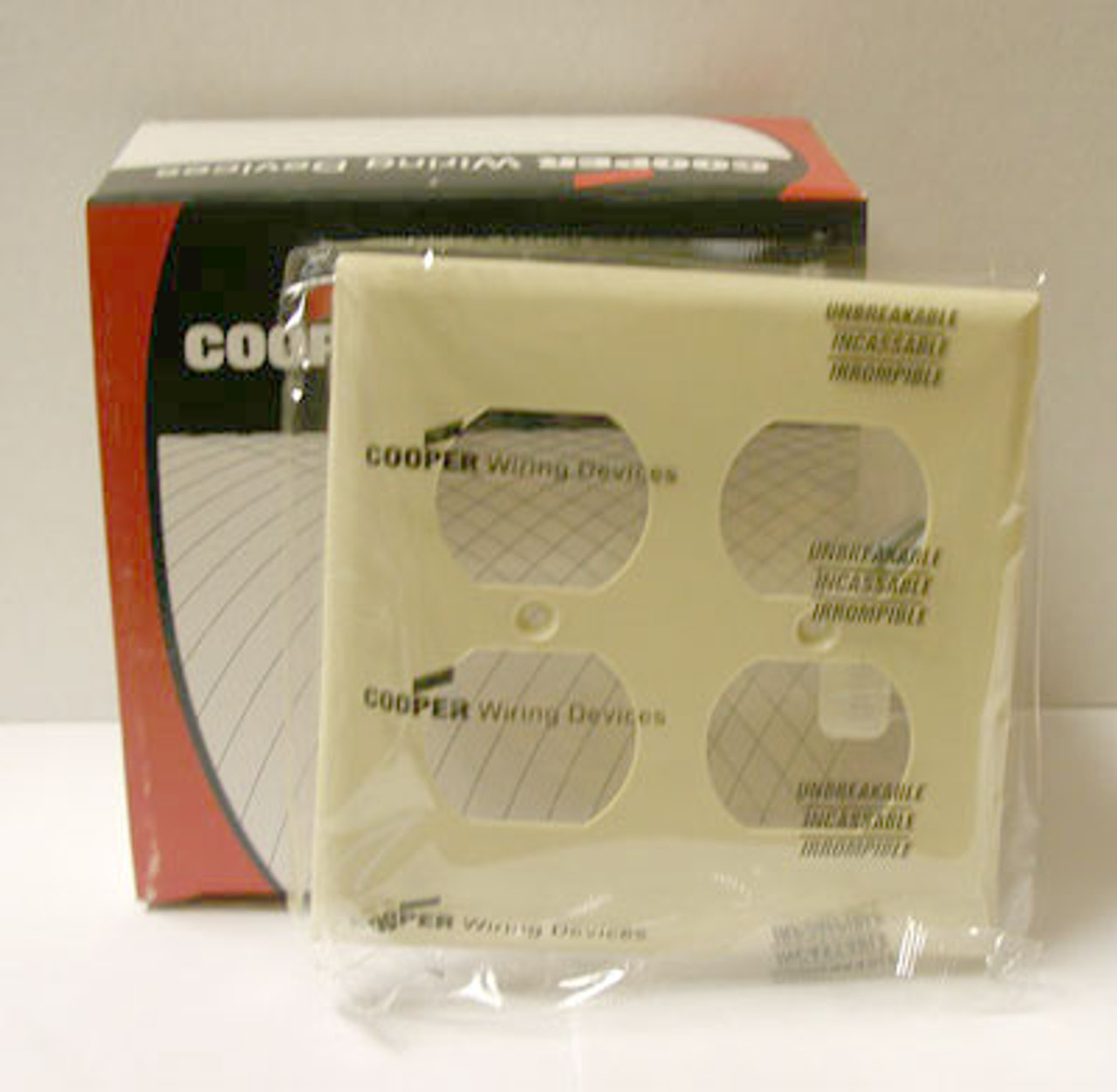 Cooper 5150V 2 Gang Ivory Hospital Receptacle Plate (Lot of 20) - New