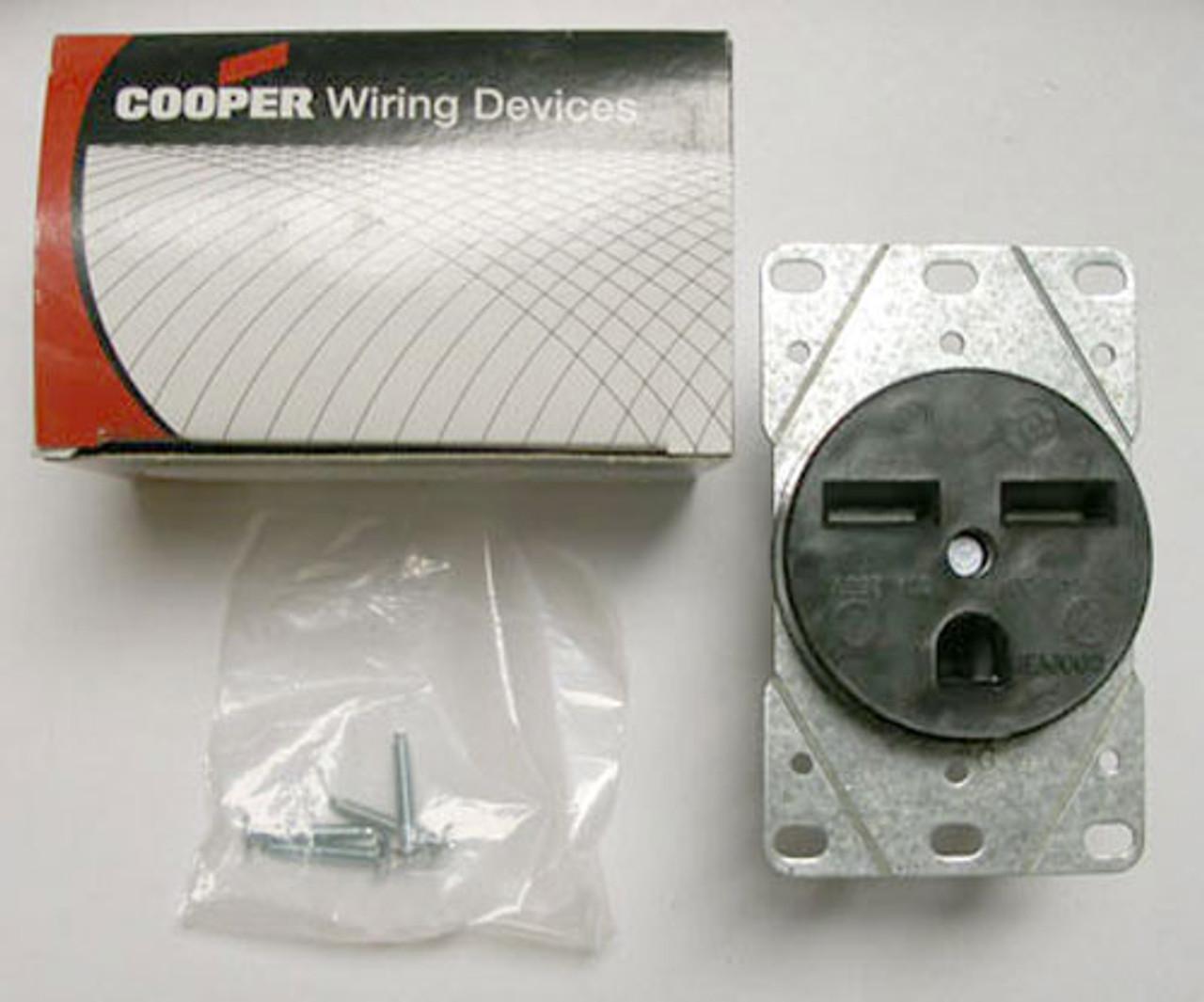 Cooper 5700N N6-30R Grounding Single Receptacle - New