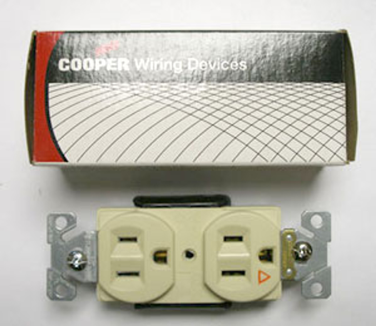 Cooper IG5262V 15A Nema5-15 Ivory Receptacle Sold in Box of 5