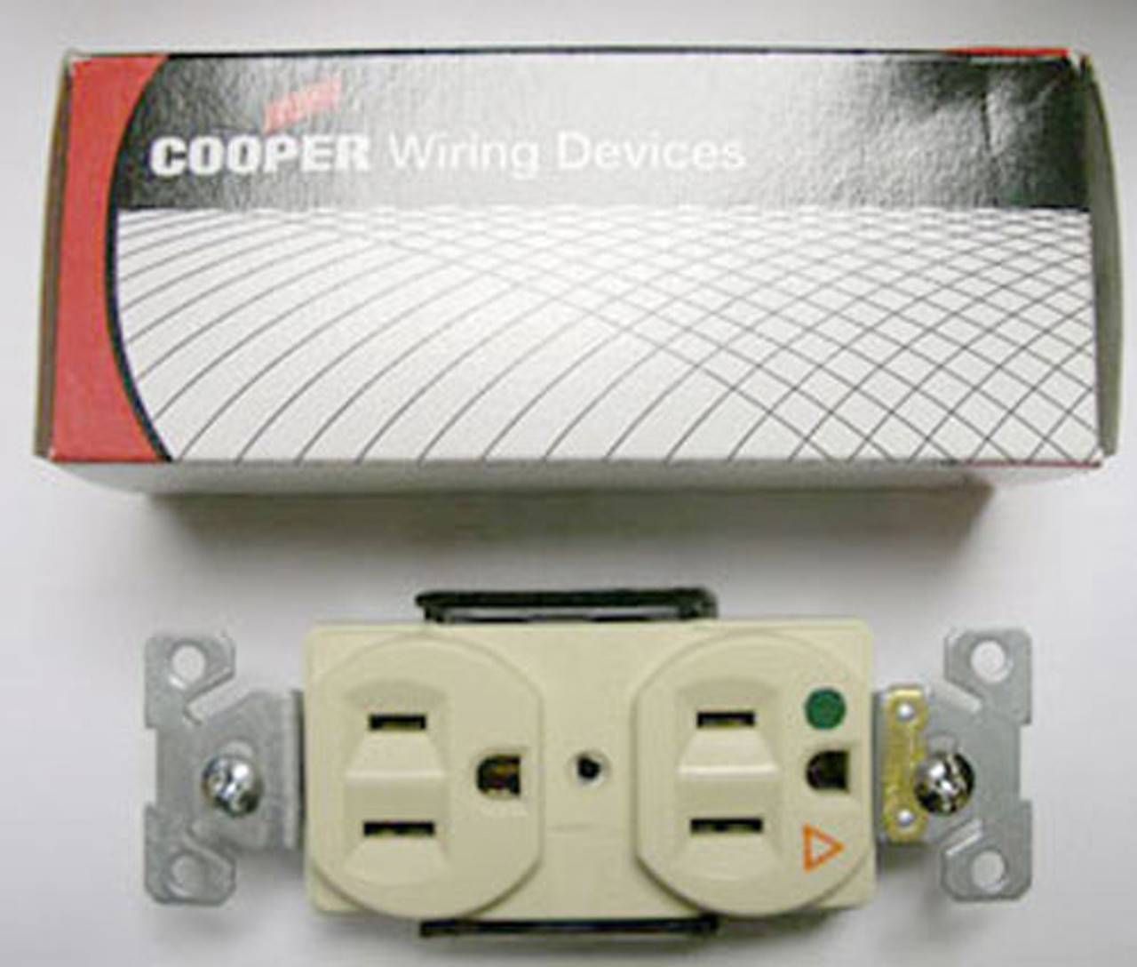 Cooper IG8200V 15A Ivory Hospital IS Grade Receptacle Sold in Box 2