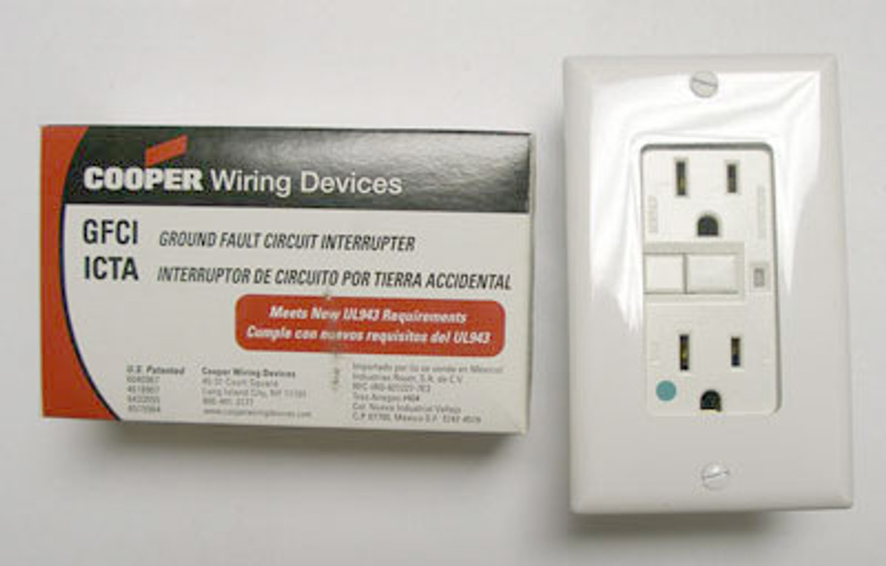 Cooper XHGF15W White 15A-125VAC H-Grounding Receptacle
