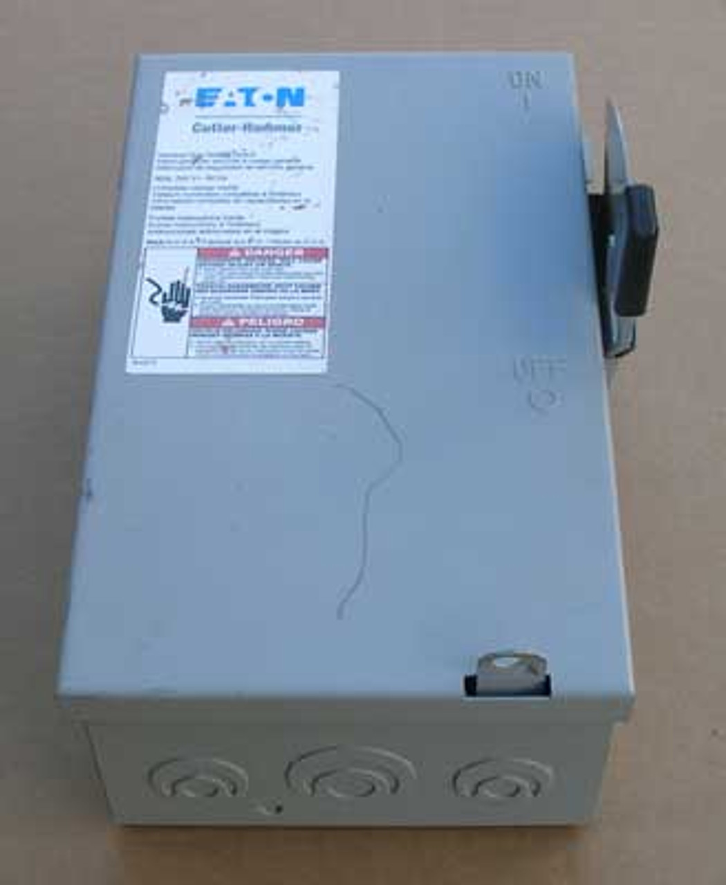 Cutler Hammer DG221NGB Fusible Safety Switch 30A 240V Nema 1 - Used