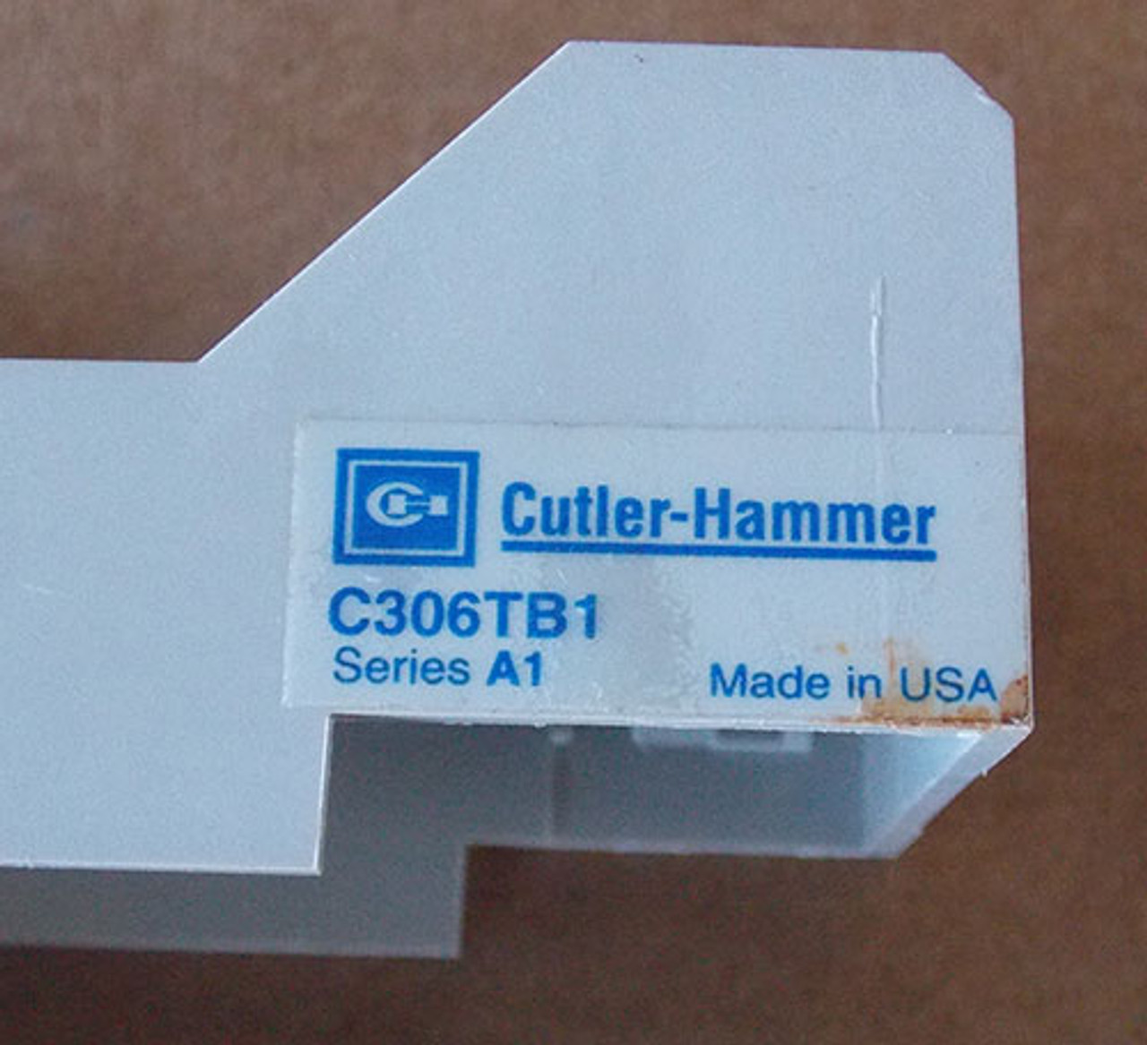 NEW IN BOX CUTLER HAMMER ADAPTER C306TB1 SERIES A1