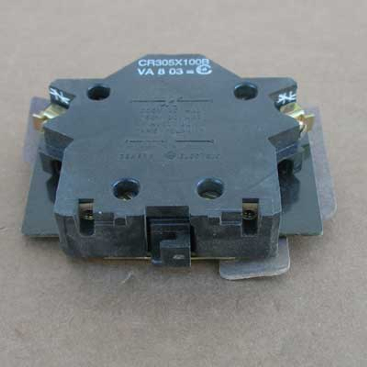 GE CR305X100B 600VAC 1NC Auxiliary Contact For Size 0 & 1 Contactor