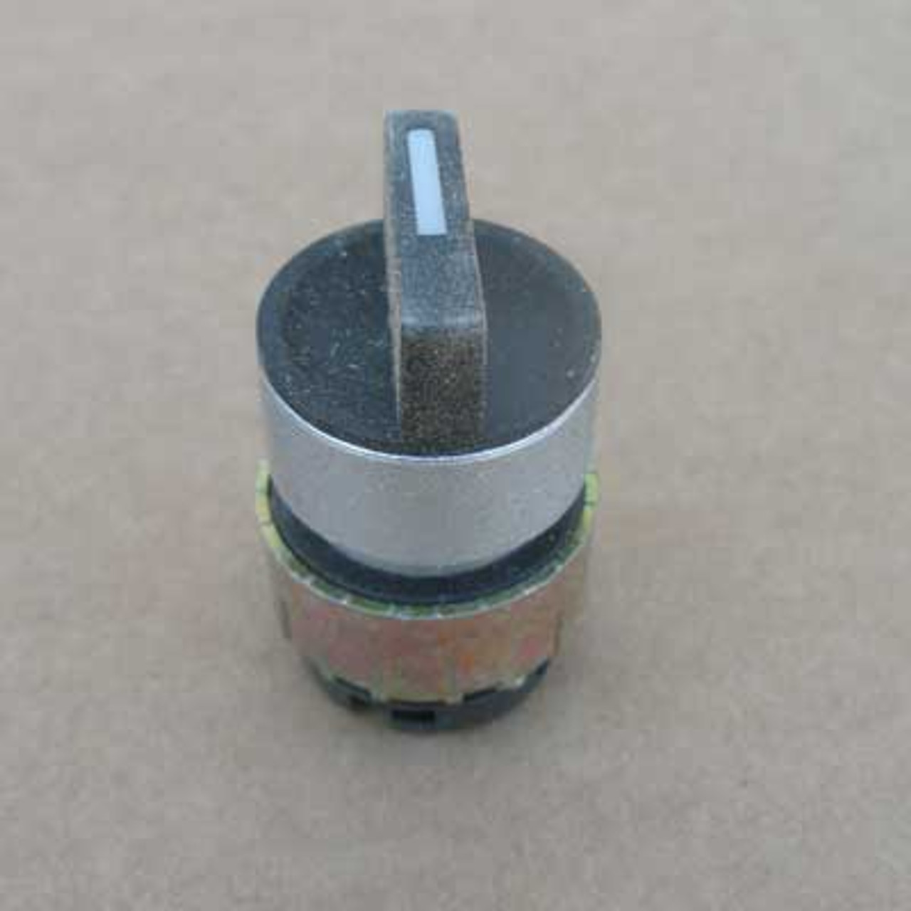 General Electric 080SMBNRC 3 Position Knob Select Switch