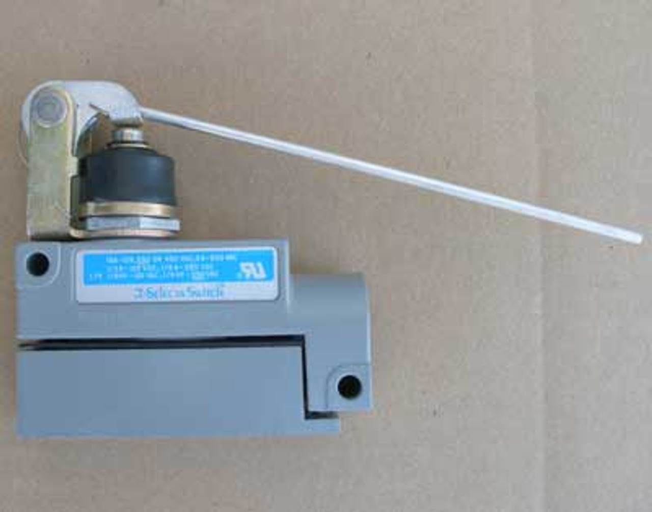 Selecta Switch BZG1-2RN62 Limit Switch 15 Amp -125/250/480VAC - New