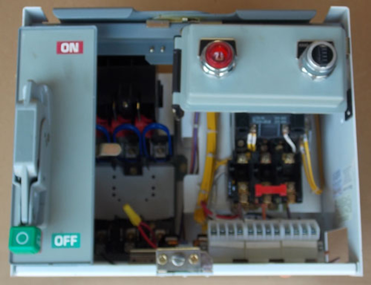 Square D  Model 6 Size 1 MCC Bucket 3PH 10HP 480V 120V Coil - Used
