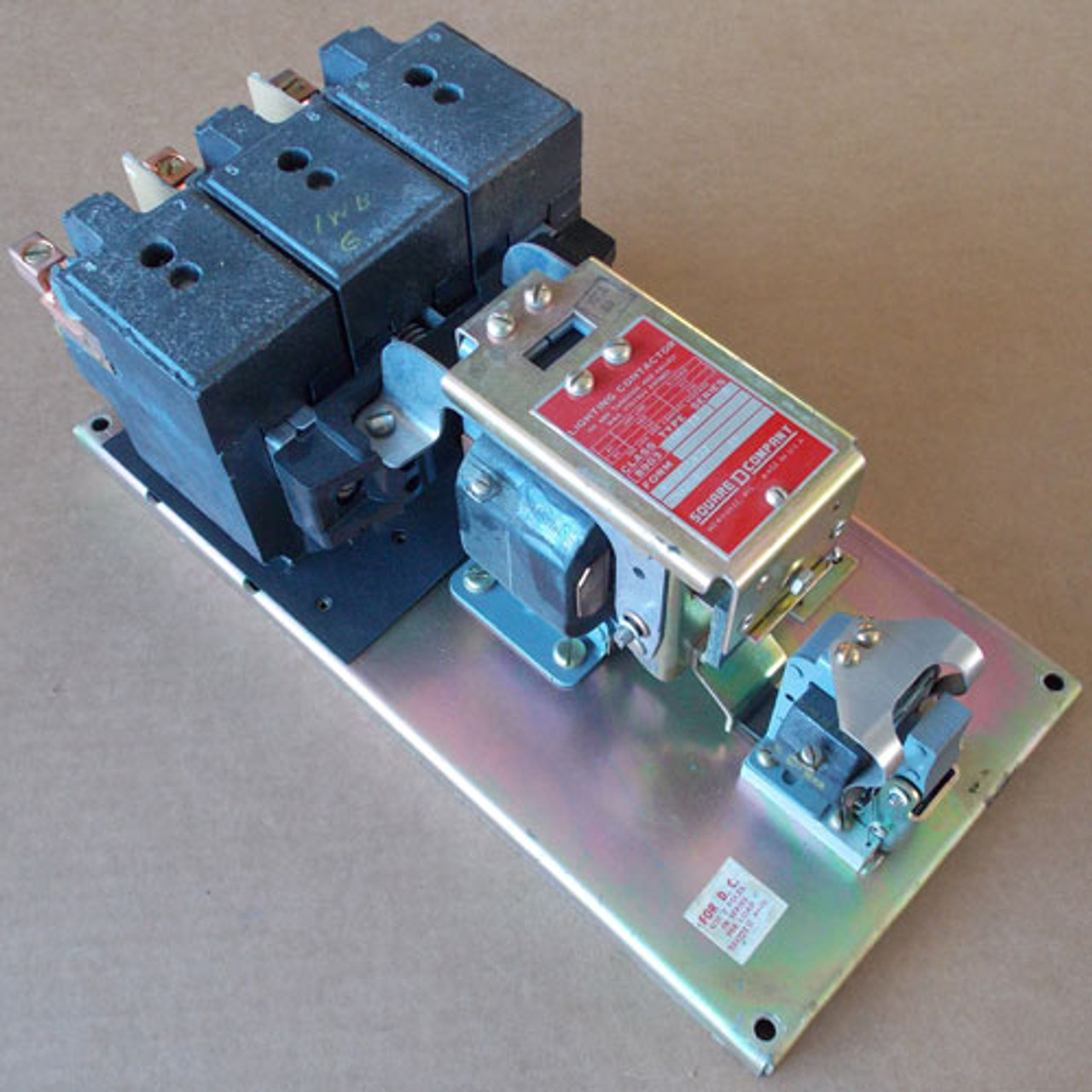 Square D 8903-QG11 3 Pole 100 Amp Lighting Contactor 120V Open - Used