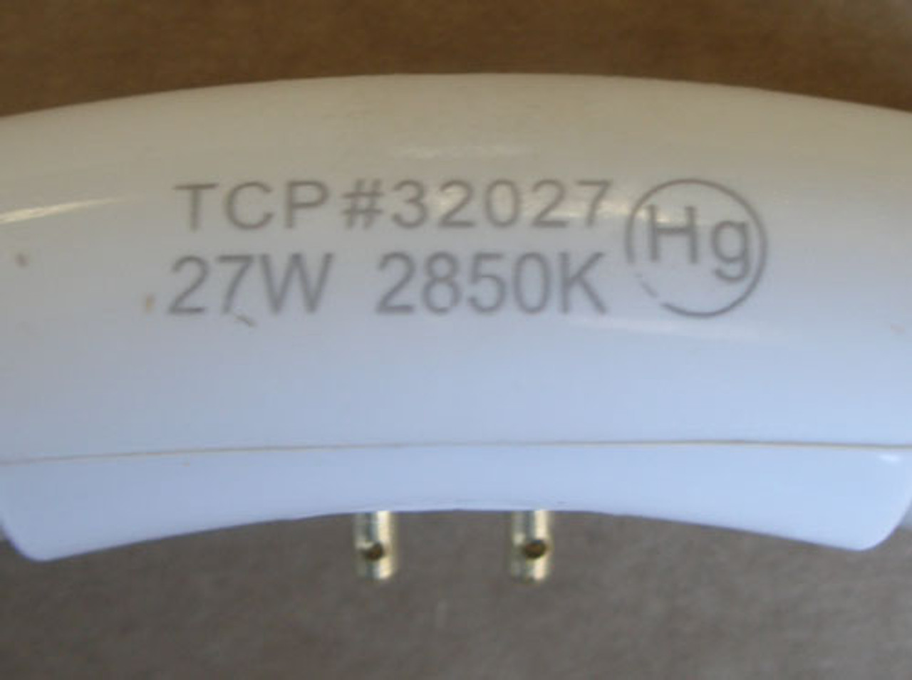 TCP 32027 27W 120V CIRCLINE Circular T6 Fluorescent Tube Bulb - 2 Pc. - New