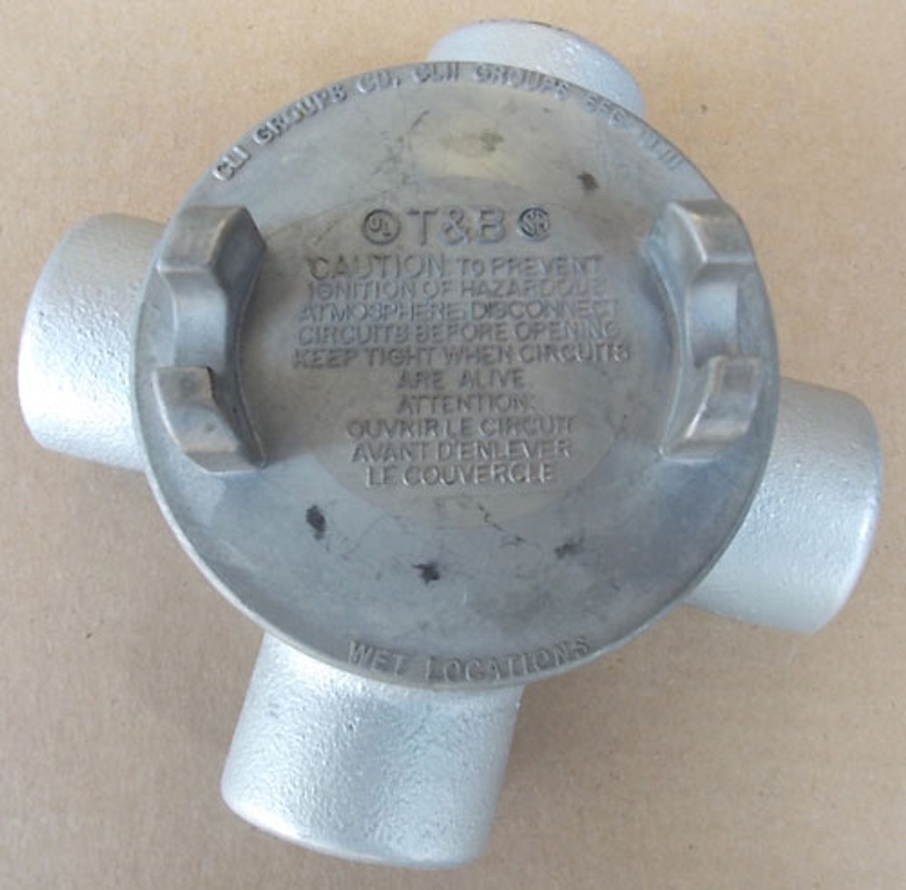 """Thomas & Betts GUAX36-TB 1"""" Cast Alum Outlet Box with 3"""" Flat Cover - New"""