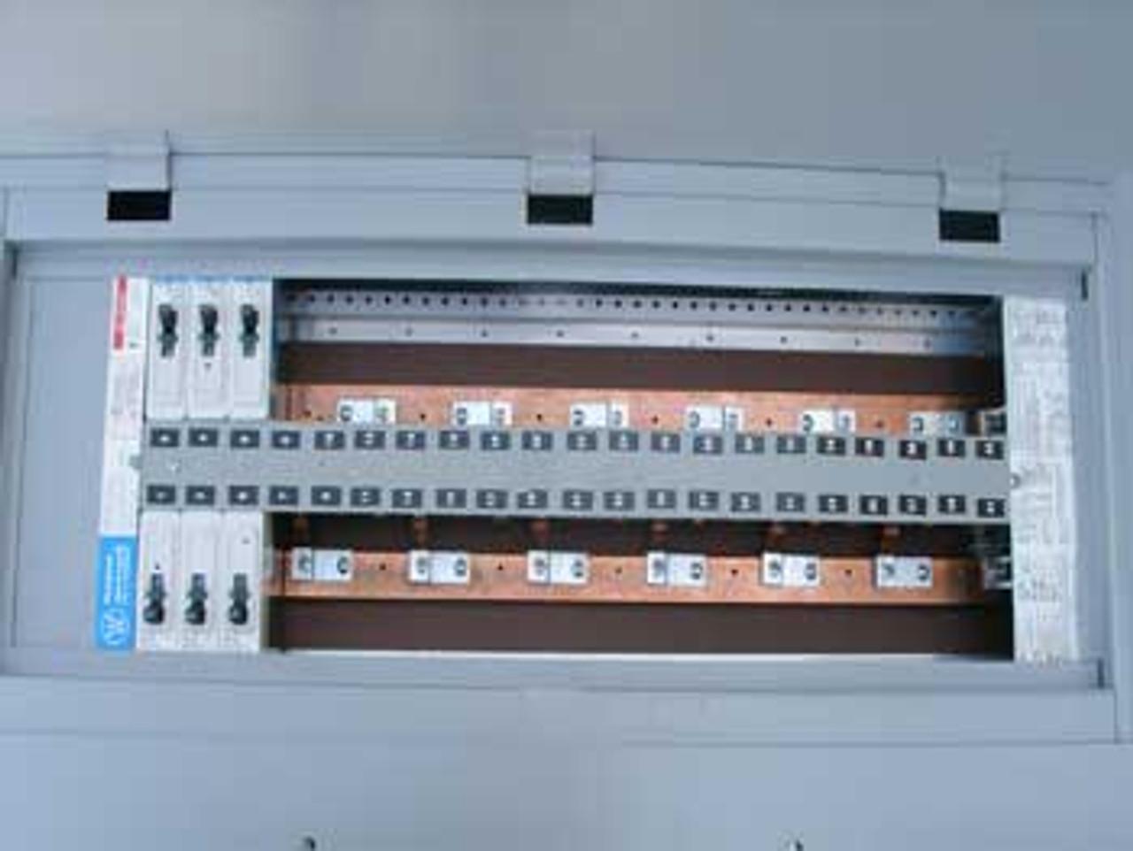 Westinghouse YS2054 PRL 3 225 Amp MLO 480Y/277V 3 PH 4W Panel Board - Used