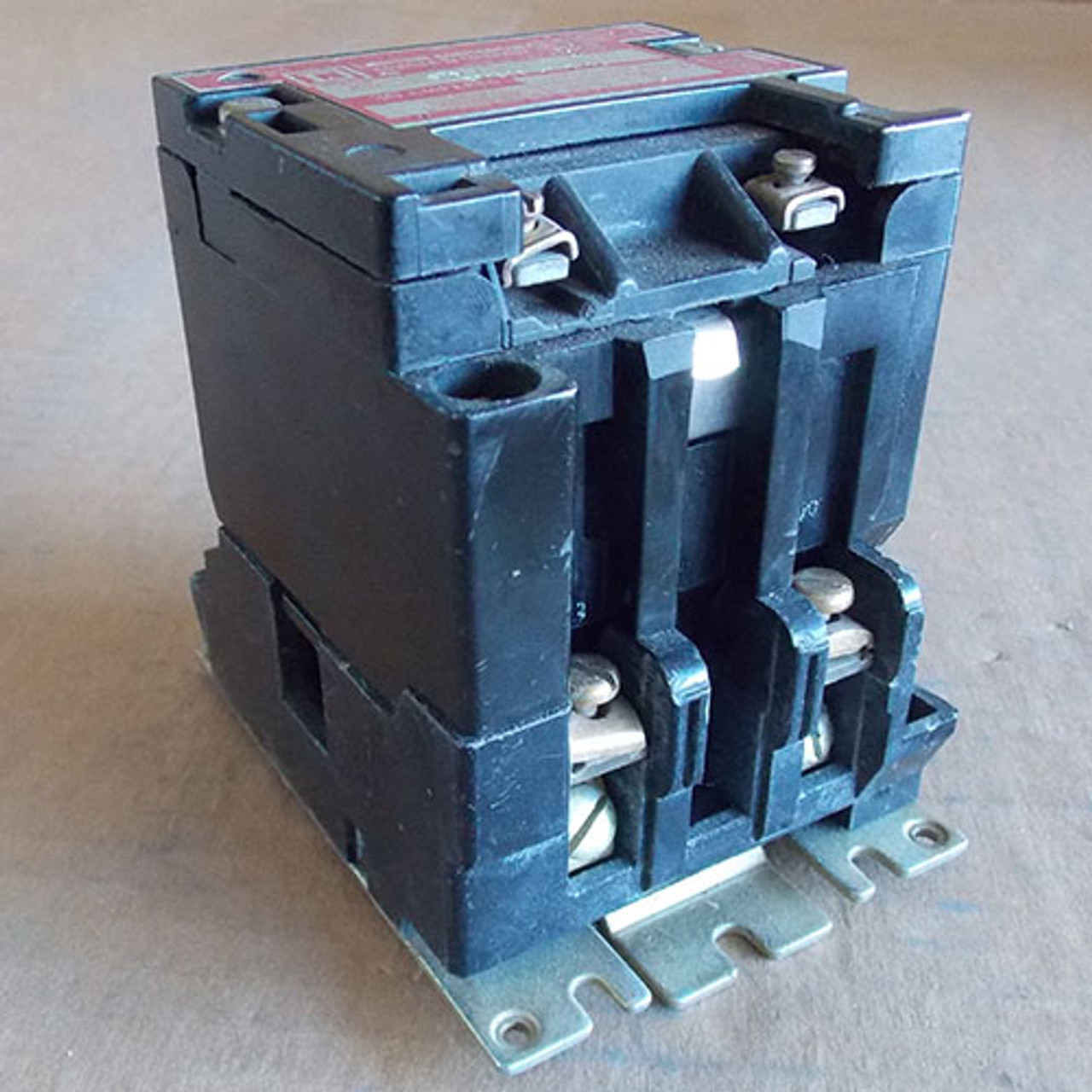 Square D 8903 SMG1 2 Pole 30 Amp Lighting Contactor 120V Coil - Used