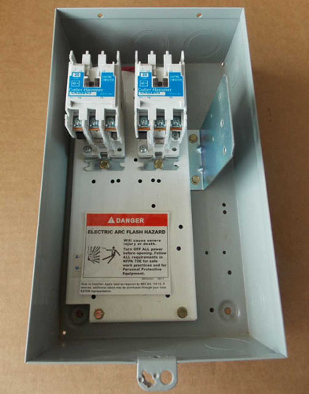 Eaton ECL03B1B6A 6 Pole 20 Amp Lighting Contactor 240V Coil N1 - New