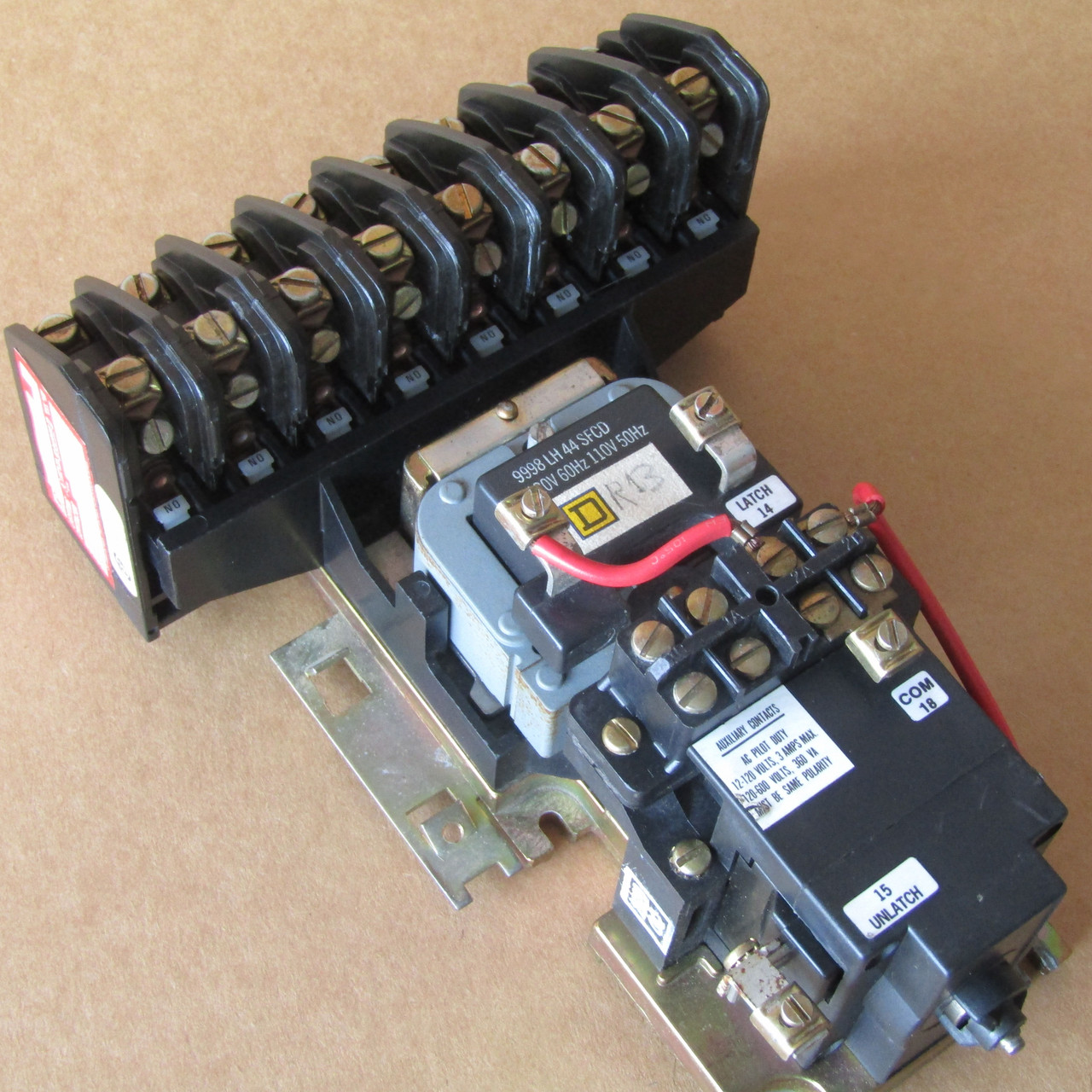 Square D 8903-LX080  8 Pole 30 Amp 600V Lighting Contactor Open - Used