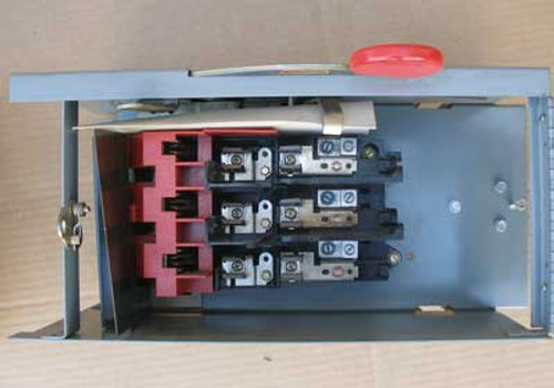 Cutler Hammer EESWR320030SB2 30 Amp 3 Pole 240 VAC Fusible Panel Switch - Used