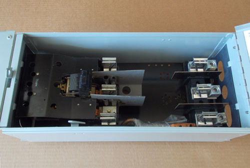 Challenger FCSCS364R 3 Phase 200A 600V Fusible Panel Switch - Reconditioned