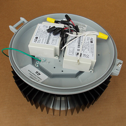 Cooper Crouse-Hinds PVM11L 137 Watts 120-240/277V Lighting Fixture - New