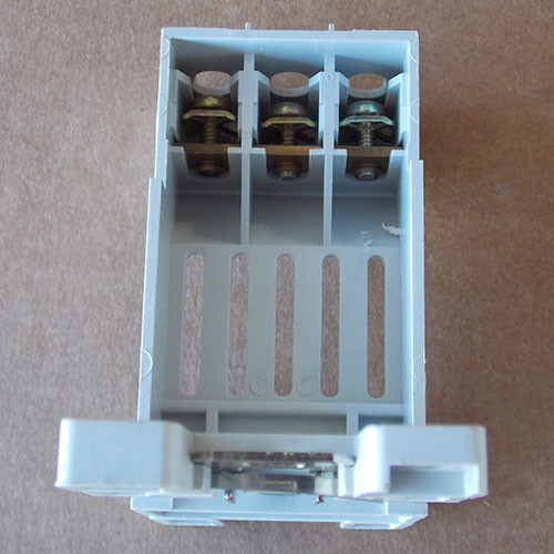 Eaton C306TB1 Terminal Base Mounting Adaptor for 32A Overload Relay
