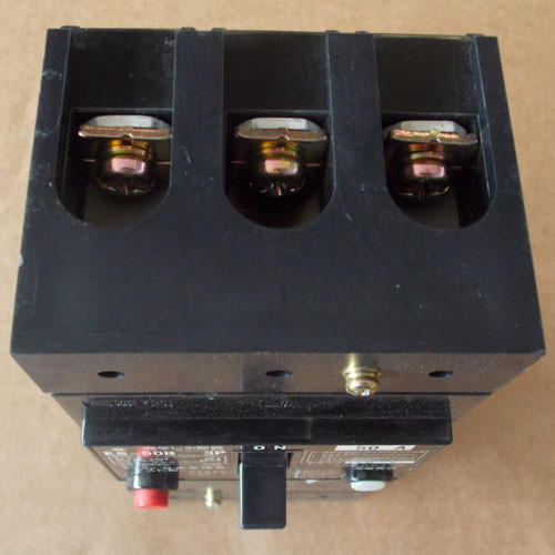 Hitachi ES-50B 3P 3 Pole 50 Amp 100-200V Fuse Free Circuit Breaker - Used