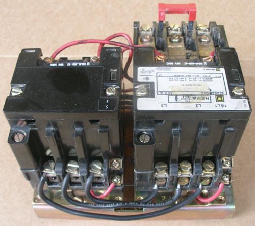 Square D 8736-SCO4S Size 0 Reversing Starter 3Ph 120V Series A - Used