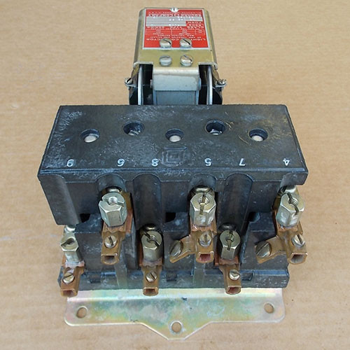 Square D 8903 PO-2 3P 60 Amp 480V 120V Coil Lighting Contactor - Used