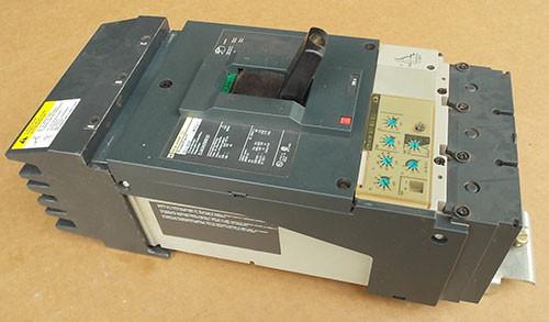 Square D DJA34250E53 3 Pole 250 Amp 600 VAC Circuit Breaker - Used