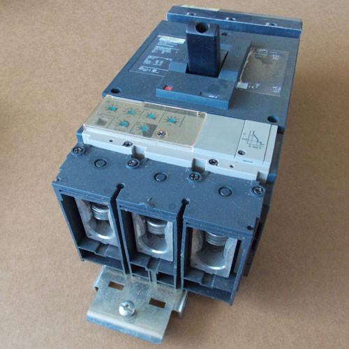 Square D DJA34400E53 3 Pole 400 Amp 600 VAC Circuit Breaker - Used