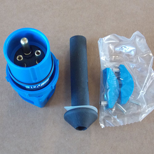 Thomas & Betts 3720DP/0455 20 Amp 250V/600VAC 2 Pole 3 Wire Plug - New
