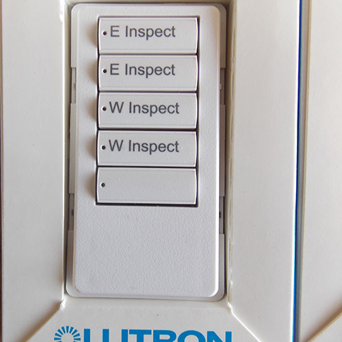 1 LOT Lutron QSWS2B-5BI-WH-NST White Grafik Eye QS 5 Button Engraved Wall Station Keypads- New