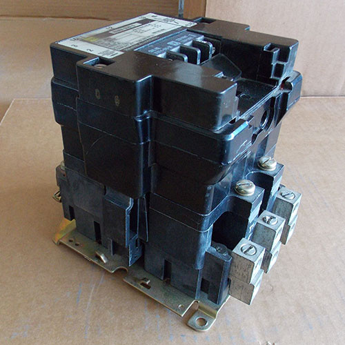 Square D 8502 SE02 Size 3 Contactor 3 Phase 1200V Coil - Used