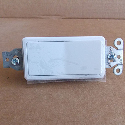 Hubbell DS120W 20 Amp, Style Line Decorator Switch,  Single Pole, White - New