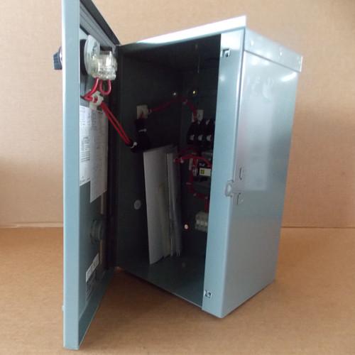 Square D 8903LH40V02C 4 Pole 30 Amp 120V Lighting Contactor Nema 3R - New