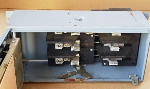 Square D QMB3220 3 Pole 200 Amp 240VAC Saflex Panelboard Switch - Used