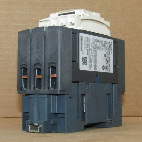 Schneider Electric LC1D40AX7  3 Pole Contactor with Everlink Terminals - New