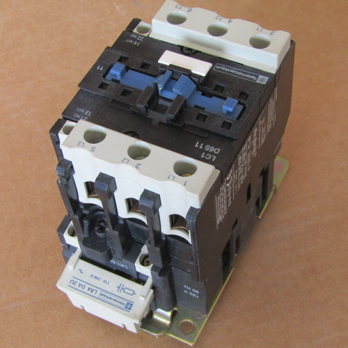 Telemecanique LC1D6511 Contactor 3 Pole 65 Amp 600VAC  - Used