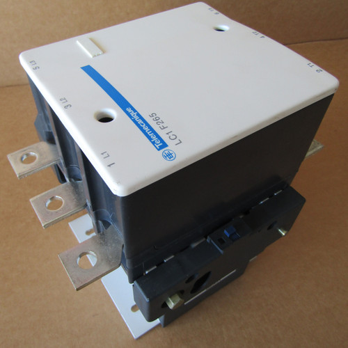 Telemecanique LC1F265 Contactor 3 Pole 600 VAC 265 Amp 208V Coil  - Used