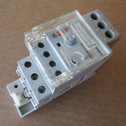 Sprecher + Schuh CEP73-EEAB Overload Relay, 3PH 0.1-0.5A w/ CEP7-EPB - Used