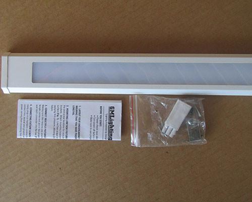 GM Lighting LineTask UCSB-16-30-WH 120V Modular LED Undercabinet 3000K White - New