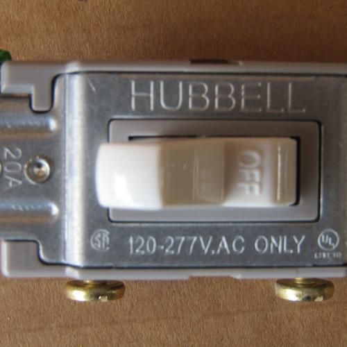 7Pc Hubbell CS120W Single Pole 20A 120/277 VAC Toggle Switch White - New