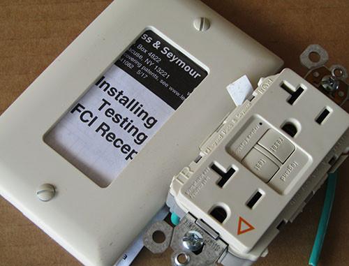 Pass & Seymour 2097IGTRLA  GFCI Duplex Receptacle IG Self Test 20A 125V - New
